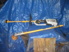 RYOBI EXPAND IT ELECTRIC POWER HEAD AND TRIMMER ATTACH