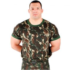 A Camiseta Camuflada Militar Malha Algodão Exército Paintball Airsoft  Camping - OFF - Modelo Manga Curta. Cor  Camuflado Verde-oliva é produzida  em malha ... 5607a213d63