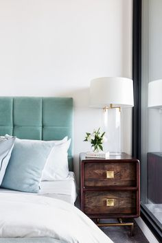 101 Affordable Bedrooom Headboard Design To Beautify Your Bedroom - The bedroom becomes the important part of our home. But can we find the best design for that room? In this case, there are several things you can add . Clean Bedroom, Home Decor Bedroom, Master Bedroom, Home Design Decor, Interior Design, Velvet Headboard, Teal Headboard, Velvet Room, Headboard Designs
