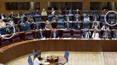 Cifuentes se quita de encima a Ballarín en la Asamblea