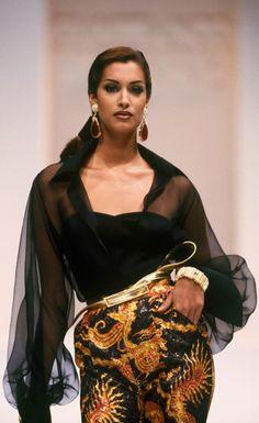 Fondazione Gianfranco Ferré / Collezioni / Donna / Prêt-à-Porter / 1992 / Autunno / Inverno