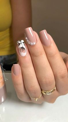 Elegant Nails, Classy Nails, Stylish Nails, Short Nail Manicure, Pretty Nail Art, Best Acrylic Nails, Rhinestone Nails, Perfect Nails, Toe Nails