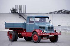 Krupp Widder; Früher Nachkriegs-LKW mit 3-Seitenkipper #mbhess #mbclassic Busses, Commercial Vehicle, Classic Trucks, Old Trucks, Monster Trucks, German, Cars, Design, Trucks