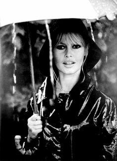 Brigitte avec son Parapluie :-)