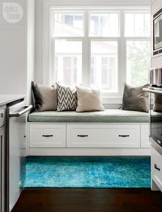 Kitchen design: Built-in bench {PHOTO: Donna Griffith}