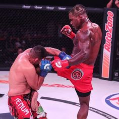 ICYMI #LorenzLarkin @da_monsoon defeated #FernandoGonzalez via unanimous decision (29-28 30-27 30-27) at #Bellator193.   Did you see the fight? Tell me what you thought and don't forget to like  and follow for all the latest MMA news!  Every fighter  has a story   Are you a fighter? If you want to be interviewed by Susan Cingari visit MustLoveMMA.com and fill out the contact form!   #Bellator #BellatorMMA #LarkinvsGonzalez #GonzalezvsLarkin #MMA #MixedMartialArts #MLMMA #MustLoveMMA…