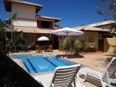 Casa Com 4 Quartos Em Condomínio - Casa em excelente condomínio com acesso direto para a melhor praia de Praia do Forte, as piscina naturais do Papa Gente...