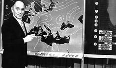 Foto d'archivio - Edmondo Bernacca Edmondo Bernacca è stato per anni il meteorologo più famoso d'Italia: dalla fine degli anni Sessanta alla metà degli anni Ottanta condusse prima Che tempo fa? e poi Meteo1, le strisce serali su Rai1 che davano conto del tempo meteorologico in Italia. Bernacca era nato a Roma il 5 settembre 1914, esattamente cento anni fa oggi: prima di apparire in televisione, fece carriera nell'aeronautica militare e nel 1979, a fine carriera, fu promosso generale.