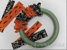 nice CONFESSIONS OF A PLATE ADDICT Easy Halloween Fabric Wreath…Just Tie It! medianet_width = medianet_height = medianet_crid = medianet_versionId = (function() { var isSSL = 'https:' == document. Halloween Fabric Crafts, Diy Halloween Decorations, Fall Crafts, Halloween Diy, Holiday Crafts, Diy And Crafts, Halloween Wreaths, Costume Halloween, Christmas Mesh Wreaths