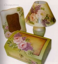 Come si fa il decoupage pittorico [FOTO] Decoupage Glass, Decoupage Box, Decoupage Vintage, Ceramic Painting, Painting On Wood, Mod Podge Crafts, Diy Crafts, Altered Boxes, Painted Furniture