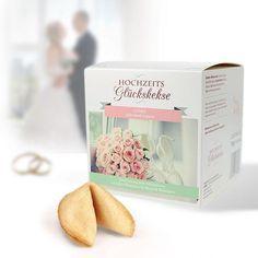 Die Geschenkbox Hochzeits Glückskekse ist ein romantisches Geschenk zur Hochzeit oder zum Hochzeitstag. Perfekt in Verbindung mit einem kleinen Geldgeschenk.
