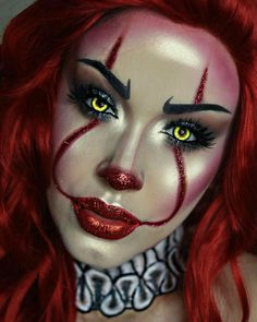 Specifically what makes this Pennywise stand out to me is the use of glitter. I Clown Makeup Pretty Glitter Pennywise Specifically Stand Maquillage Halloween Clown, Halloween Makeup Clown, Clown Makeup, Scary Makeup, Horror Makeup, Zombie Makeup, Disfarces Halloween, Scary Halloween Costumes, Trendy Halloween