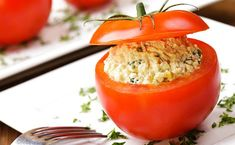 Stuffed Tomatoes with Deviled Egg Salad Recipe Canned Salmon Recipes, Tuna Recipes, Healthy Recipes, Tuna Stuffed Tomatoes, Stuffed Peppers, Deviled Egg Salad, Fruit Smoothies, Tasty Dishes, Dairy Free