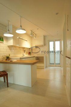 Minimal House Design, Minimal Home, Timber Kitchen, Kitchen Dining, Natural Interior, Kitchen Interior, Home Furniture, Minimalism, Sweet Home