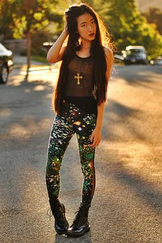 WASTELAND-awesome leggings and rocker outfit