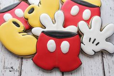 Mickey Mouse Inspired Cookies Mickey Mouse by Bakinginheels Mickey Mouse Clubhouse Birthday Party, Mickey Party, Mickey Mouse Birthday, 1st Boy Birthday, Birthday Parties, Minnie Y Mickey Mouse, Mickey Mouse Cookies, Disney Cookies, Mouse Cake