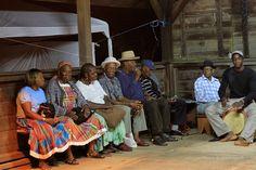 Une soirée Bèlè (musique traditionnelle) dans le nord de la Martinique.  http://makokot.fr/soiree-bele-martinique/