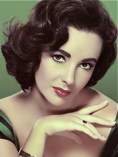Elizabeth Taylor, one of my favorite women❤
