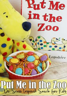 Me in the Zoo Dr. Seuss Inspired Snack for Kids Celebrate Dr. Seuss' birthday with this fun and colorful Put Me in the Zoo inspired snack for kids! Seuss' birthday with this fun and colorful Put Me in the Zoo inspired snack for kids! Zoo Preschool, Toddler Preschool, Dr Suess Books, Dr Seuss Snacks, Cooking In The Classroom, Zoo Book, Dr Seuss Birthday Party, 4th Birthday, Birthday Parties