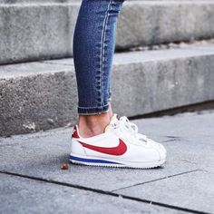 My first pair of Nikes ever. I adored these shoes- start of my Nike❤️ Nike Cortez Vermelho, Zapatillas Nike Huarache, Baskets, Nike Shoes, Sneakers Nike, Nike Classic Cortez, Shoes World, Pumps, Custom Shoes