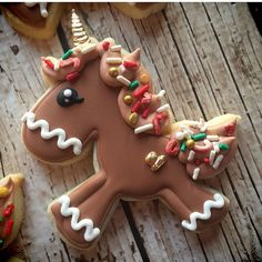 This cookie decorated by using our Glitter the Unicorn cutter has me all kinds of happy! Iced Sugar Cookies, Christmas Sugar Cookies, Holiday Cookies, Christmas Desserts, Christmas Treats, Christmas Baking, Fancy Cookies, Cute Cookies, Cupcake Cookies