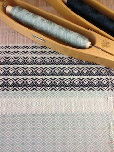 Weaving in blues by Je Vous en Prie