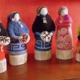 Mujeres mapuches Nuno Felting, Needle Felting, Felt Dolls, Gourds, Felt Crafts, Different Styles, Textiles, Ceramics, Ideas