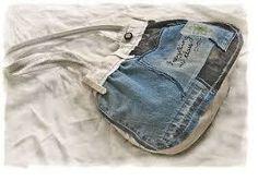el yapımı çanta tasarımı  kot pantolon ve şortla yapılan bir tasarımdır....