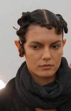 """The finished product: an avent-garde futuristic take on the 1920s wave. The """"shielded hair"""" look ties into Kimberly Ovitz's concept of nature's defence mechanisms on display. The hair look was inspired by an armadillo if you can believe it! #NYFW"""