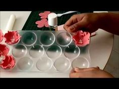 Очаровательные цветы из мастики: простой мастер класс лепка из мастики. - YouTube