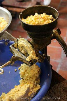 Making humitas the old fashioned way in Loja
