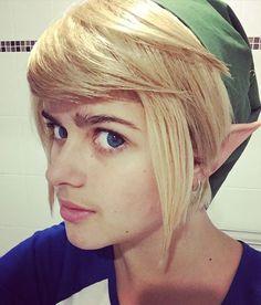 Link cosplay | Link wig | Blue contact lenses | Elf ears | Legend of Zelda cosplay