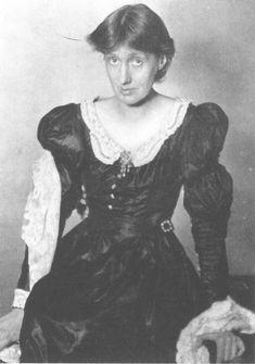Virginia Woolf wearing