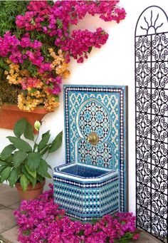 nice How pretty is this Moroccan outdoor fountain! Moroccan Design, Moroccan Decor, Moroccan Garden, Moroccan Interiors, Garden Fountains, Wall Fountains, Moorish, Dream Garden, Decor Interior Design
