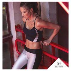 Qual legging te inspira? Na dúvida, tenha todas ;) Acesse a #2BeHappy e comece os dias com as leggings de vários estilos <3 www.2behappystore.com.br #cores #inspiração #colorir #legging #roupa #diacolorido #2behappystore #shoppingonline #ecommerce #compreonline