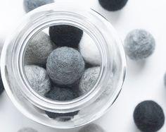 2.5cm Wool Felt Ball x 25 Monochrome Colours. 25mm Felt Balls Black Grey White. Wool. Pom Pom. Gumball. Beads. Bulk. DIY Baby Mobile Garland