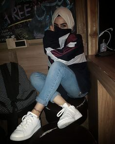 Ashfiya❤ – Hijab World Hijab Casual, Hijab Chic, Casual Outfits, Fashion Outfits, Street Hijab Fashion, Muslim Fashion, Hijab Mode Inspiration, Hijab Stile, Girl Hijab