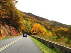 Named America's Favorite Drive, this one scenic parkway in North Carolina was recently recognized as being one of the most scenic roads in our country. Cities In North Carolina, South Carolina Vacation, North Carolina Mountains, Blue Ridge Parkway Asheville, Road Trip Map, National Parks Usa, Smoky Mountain National Park, Vacation Spots, Places To Go