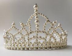 Tiara de perlas clásico por adriennebarrington en Etsy
