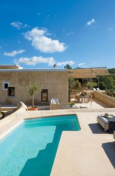 La pisci de Nani marquina en Ibiza
