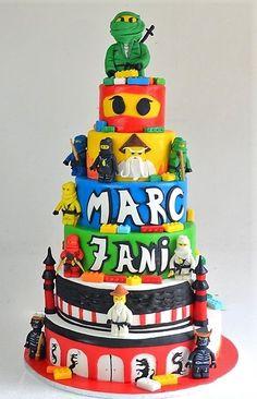 Pasiunea pentru figurinele Lego se observa si in personalizarea torturilor aniversare pentru baieti, care isi doresc ca faimosii Ninjago sa le fie alaturi la petrecerea lor, sub forma figurinelor dulci ce decoreaza un tort spectaculos. Lego Ninjago, Birthday Cake, Desserts, Food, Figurine, Tailgate Desserts, Deserts, Birthday Cakes, Essen