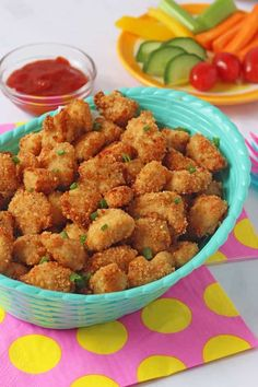 Healthy Meals For Kids Healthy Baked Popcorn Chicken! My recipe for this Popcorn Chicken is so delicious and crispy, despite being baked and not fried. My secret ingredient is Rice Krispies! Healthy Dinners For Kids, Healthy Meals For Kids, Healthy Foods To Eat, Healthy Baking, Kids Meals, Healthy Snacks, Healthy Recipes, Toddler Meals, Healthy Popcorn