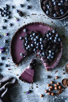 Blackberry Blueberry Tart with Dark Chocolate Hazelnut Crust — plum Tart Recipes, Sweet Recipes, Baking Recipes, Dessert Recipes, Kitchen Recipes, Just Desserts, Delicious Desserts, Yummy Food, Chocolate Hazelnut