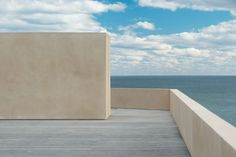 John Pawson I Montauk House *Some people are dreaming about what they have not got. I am trying to forget what I have already had* Read more about John Pawson's work at. Contemporary Art London, Institute Of Contemporary Art, Contemporary Homes, Modern Homes, Philip Johnson, Frank Lloyd Wright, Art And Architecture, Architecture Details, Minimalist Architecture