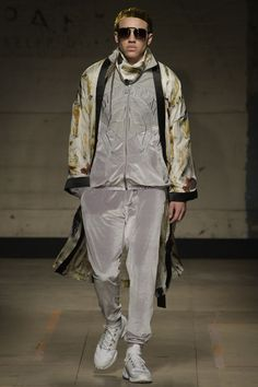 See the complete Astrid Andersen Fall 2017 Menswear collection.
