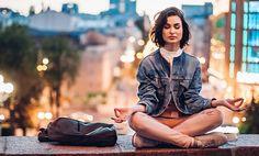 Ako sa upokojiť pri strese? Spoznaj rýchle a efektívne riešenie Easy Meditation, Meditation Practices, Light On Yoga, Yamas And Niyamas, Bks Iyengar, Level Of Awareness, Levels Of Consciousness, Learn To Meditate, Deep Truths