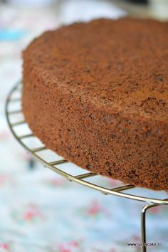 Blat de cacao Lucky Cake, Food Cakes, Tiramisu, Cake Recipes, Diy And Crafts, Muffin, Sweets, Cooking, Breakfast