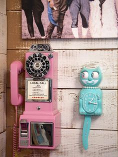 RETRO Pink pAyphone. . who doesn't need this???   {junk gypsy co, http://gypsyville.com/ }