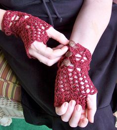 Lace Fingerless Gloves silk and sea cell lace by ClockQuirks, $40.00