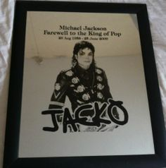 Michael Jackson - http://www.michael-jackson-memorabilia.co.uk/?p=15159